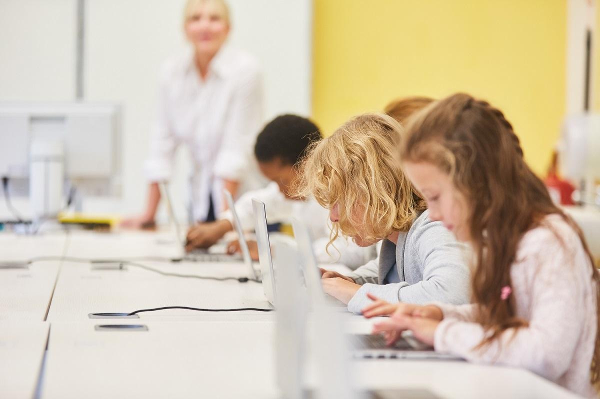 Netzwerke für digitale Schulen